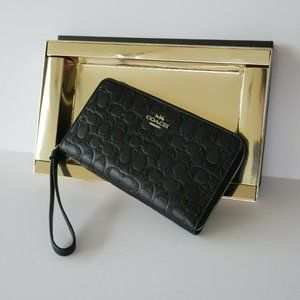 COACH CLUTCH GLITTER SIGNATURE WALLET WRISTLET